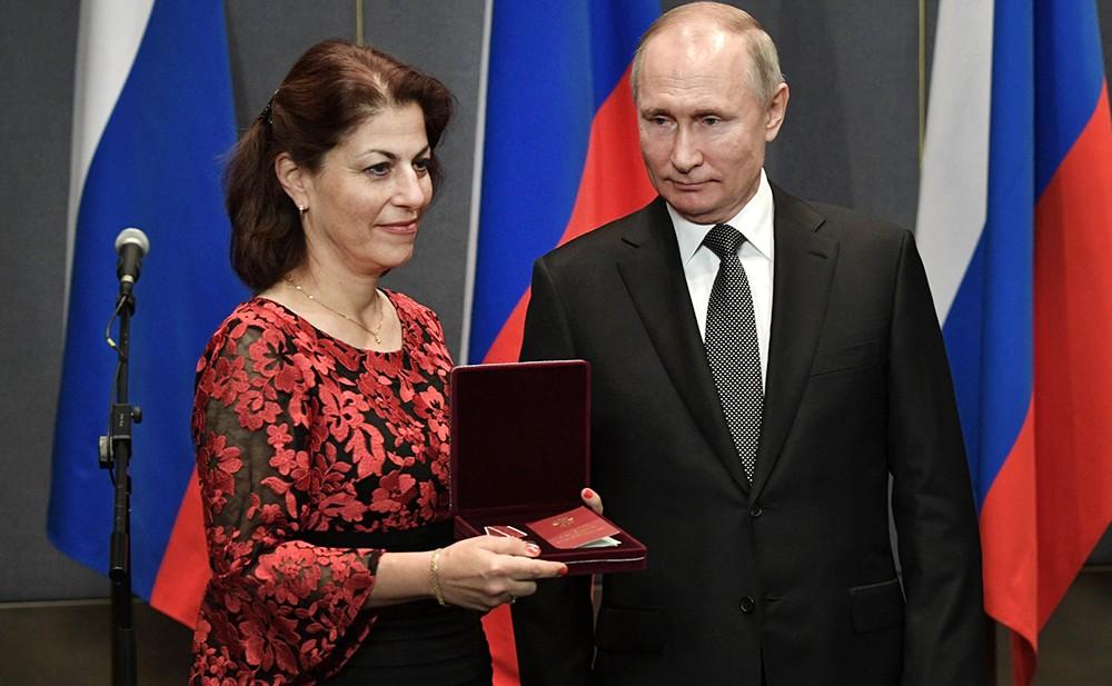 Владимир Путин награду, внучатой племяннице Леона Фельдгендлера – героя восстания узников Собибор