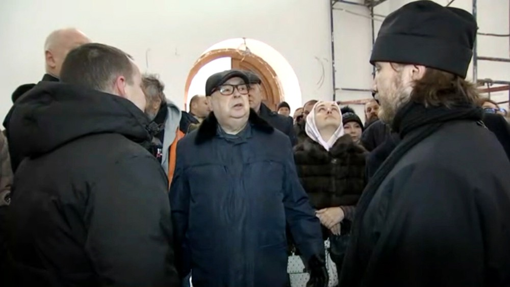 Владимир Ресин осмотрел ход строителя храма
