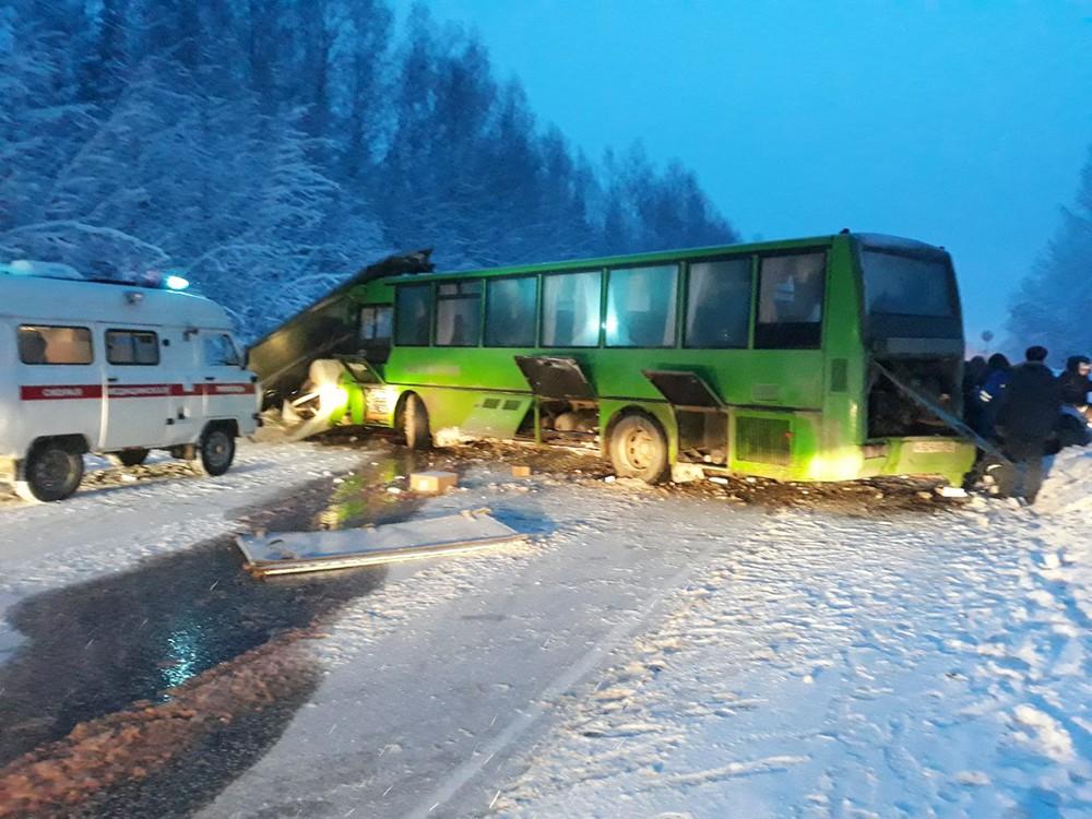 Последствие ДТП с участием автобуса