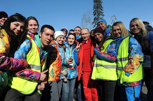 Олимпийские Сочи. Фото с волонтерами