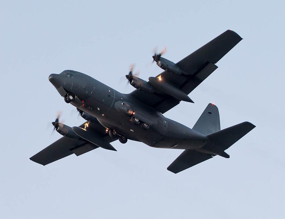 Самолет C-130 Геркулес