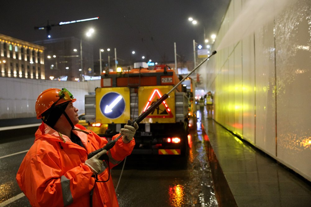 Промывка Маяковского тоннеля на Садовом кольце