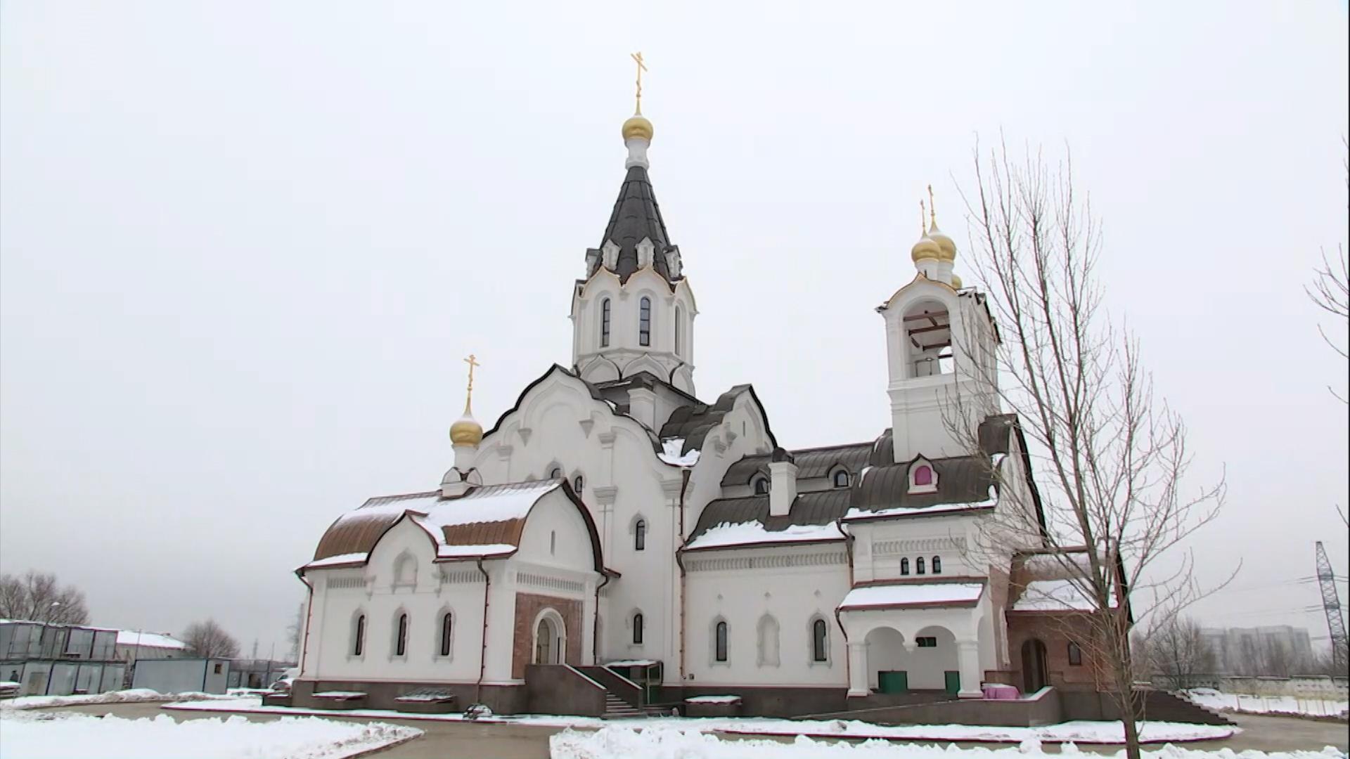 В Москве возводят храм в честь Константина и Елены
