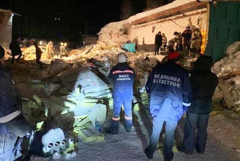 Обрушение крыши кафе в Новосибирске
