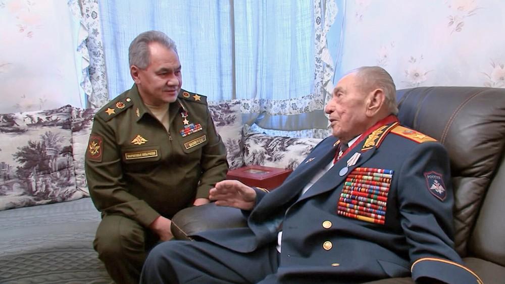 Сергей Шойгу и маршал Дмитрий Язов