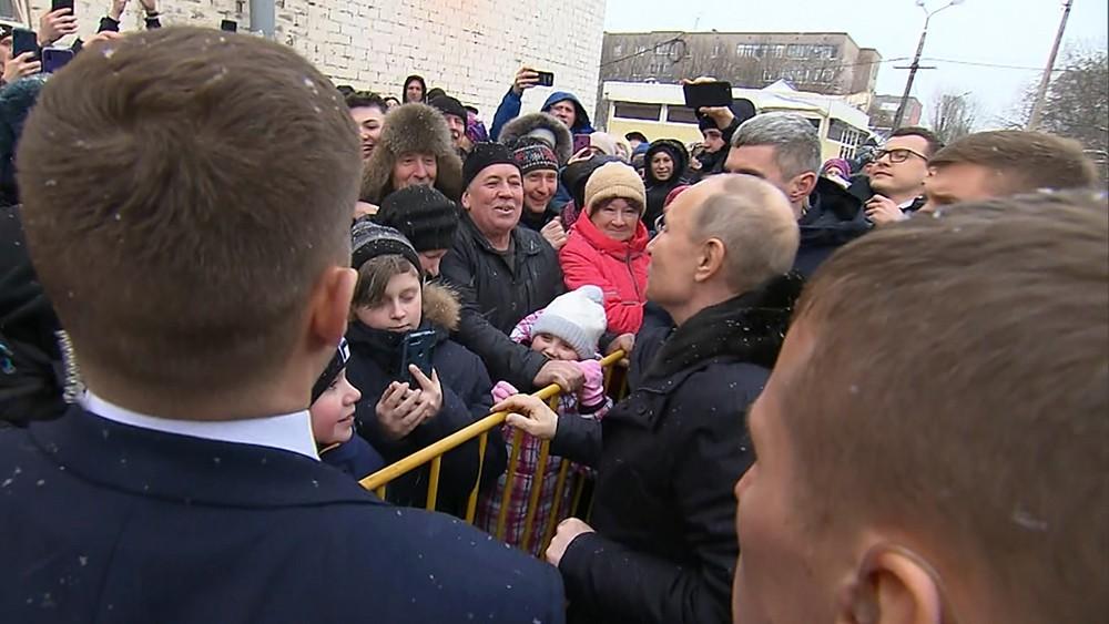 Владимир Путин и жители Череповца