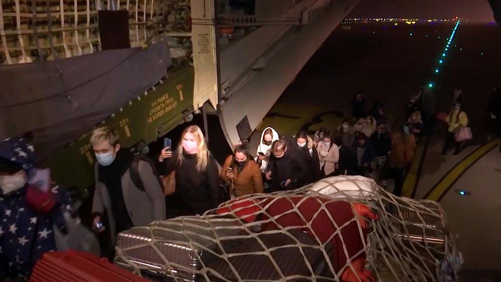 Эвакуация россиян из Уханя самолетом ВКС России
