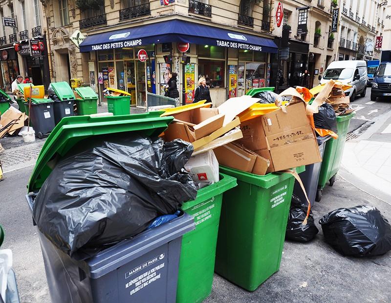 Забастовка мусорщиков в Париже