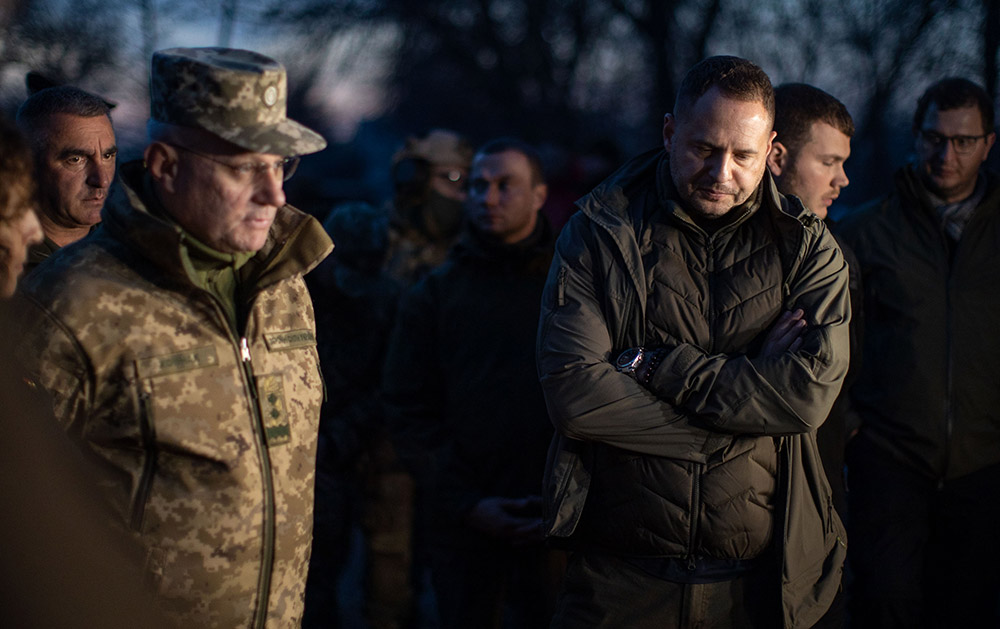 Андрей Ермак (справа)