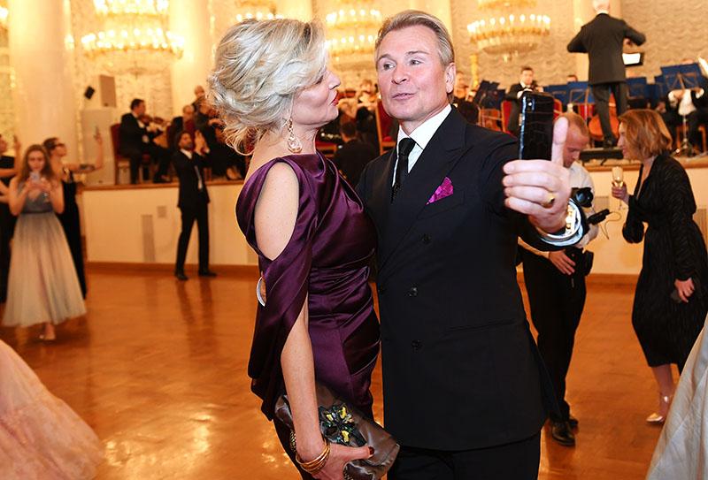 Певец Александр Малинин и супруга Эмма Малинина