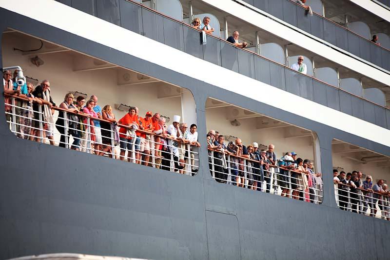 Пассажиры на лайнере Westerdam