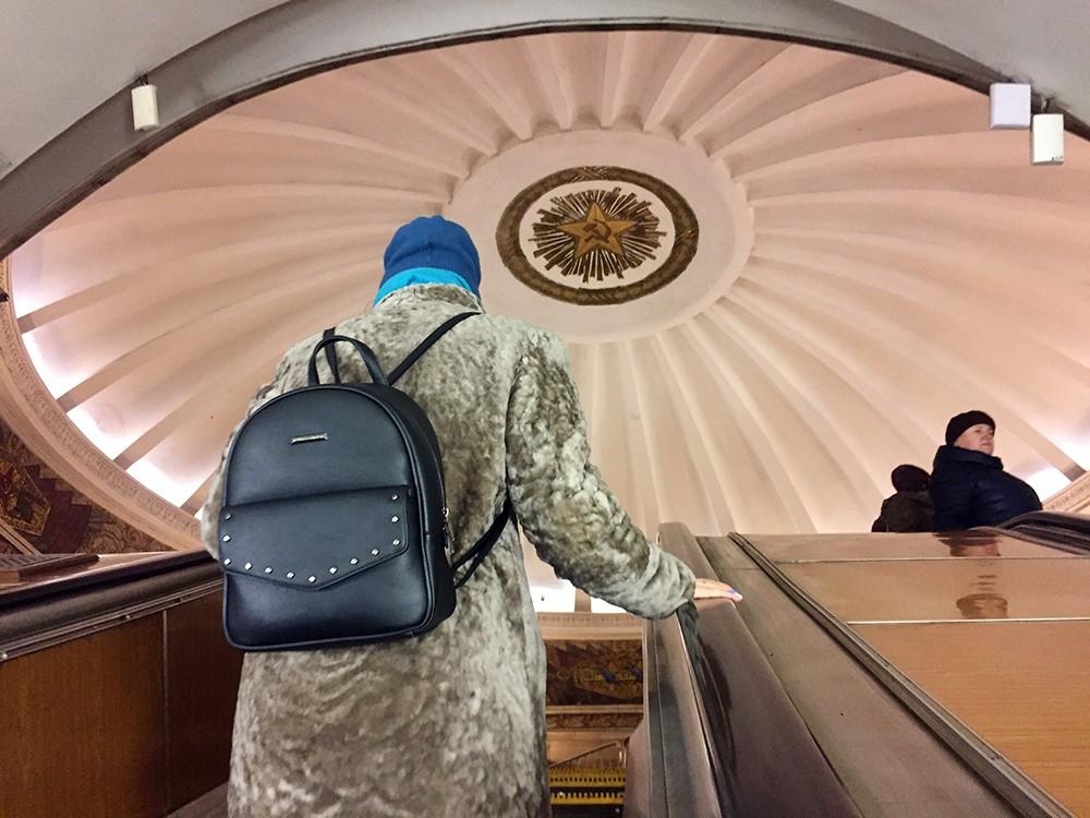 """Эскалатор на станции метро """"Смоленская"""" Арбатско-Покровской линии"""