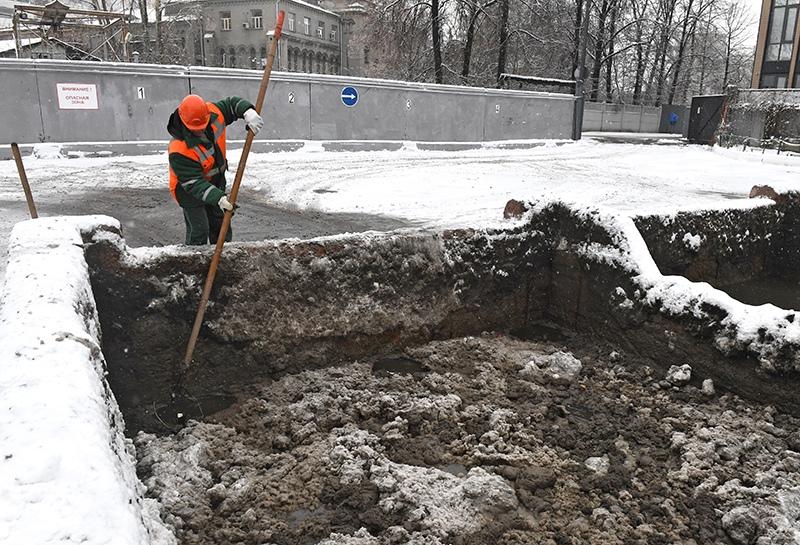 Работник снегоплавильного пункта