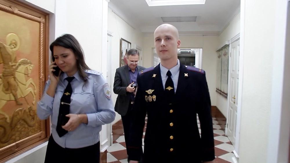Полицейский, спасший мужчину упавшего в канал в Санкт-Петербурге