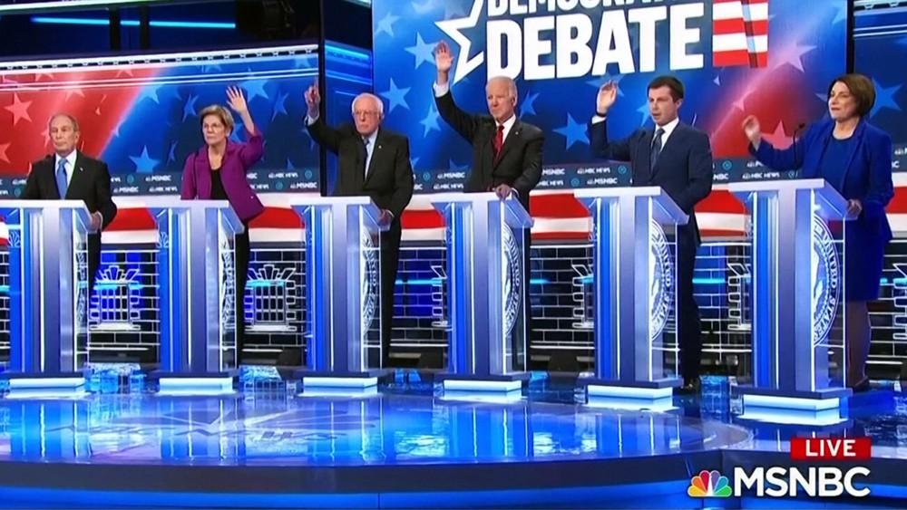 Претенденты-демократы на дебатах