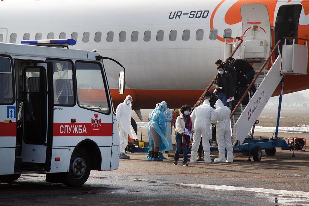 Эвакуация самолетом украинцев из Уханя