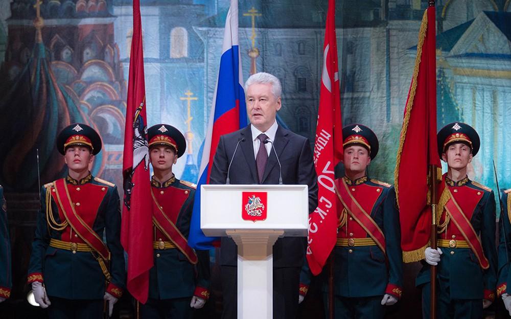 Собянин Собянин поздравляет с Днём защитников Отечества