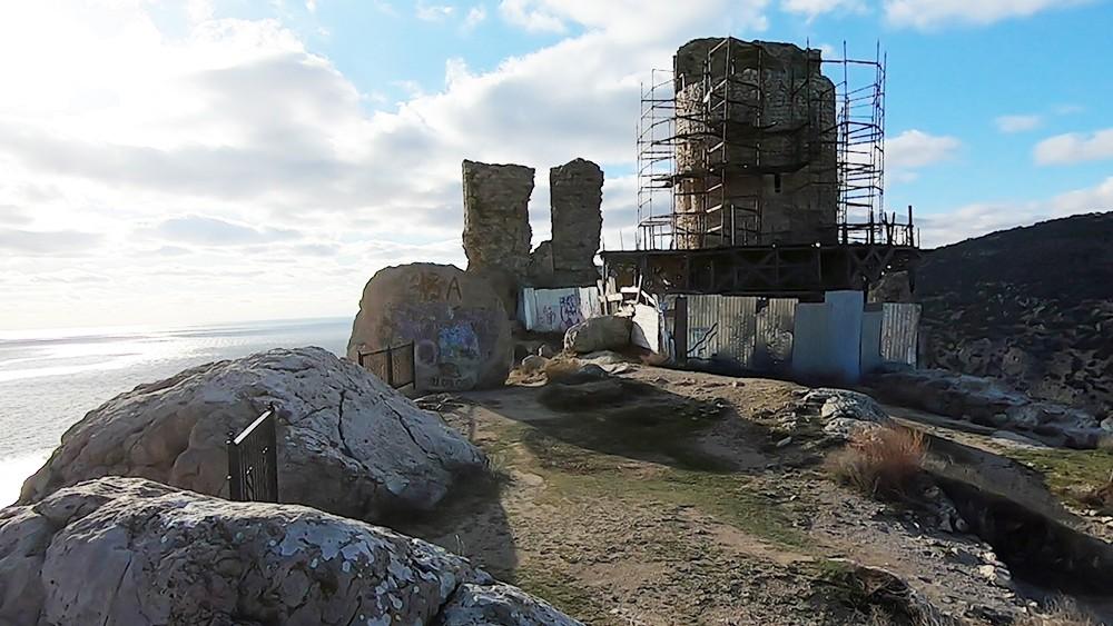 Крепость Чембало в Балаклавской бухте