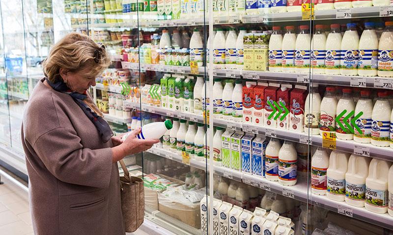 Покупательница в магазине