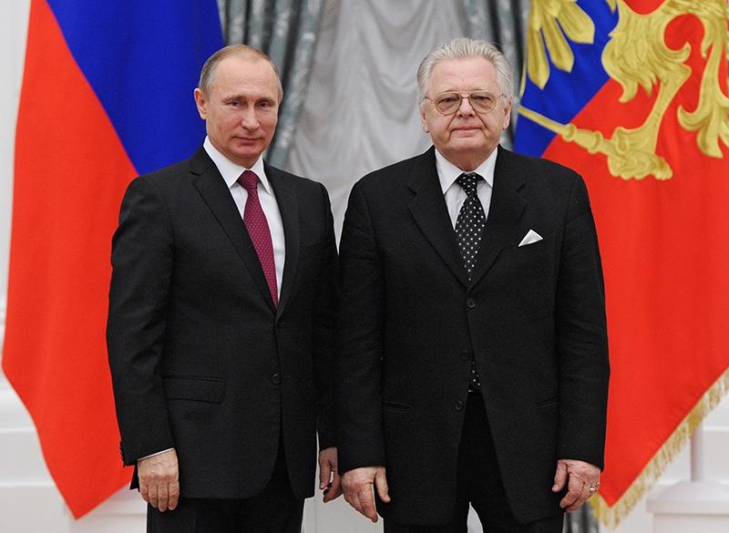Владимир Путин и певец, композитор Юрий Антонов