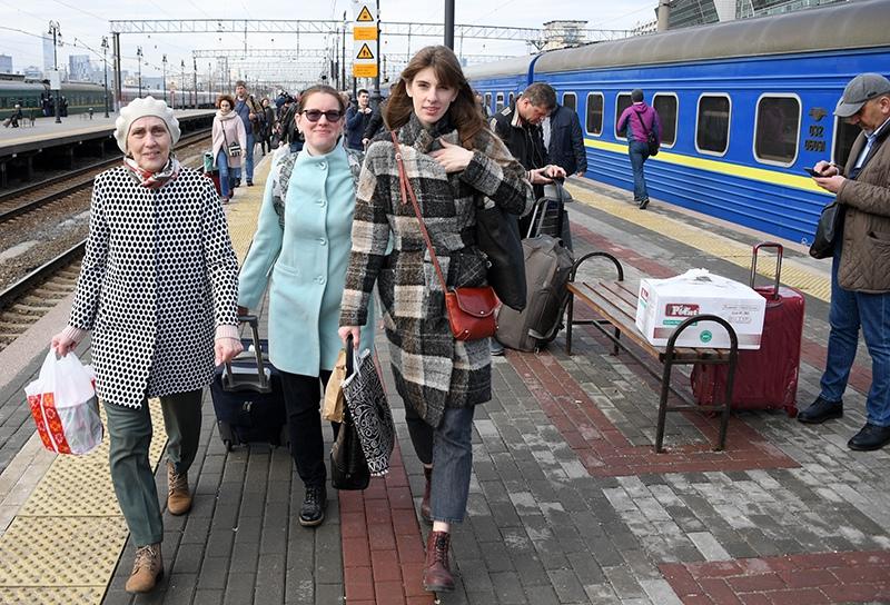 """Пассажиры поезда """"Киев-Москва"""""""