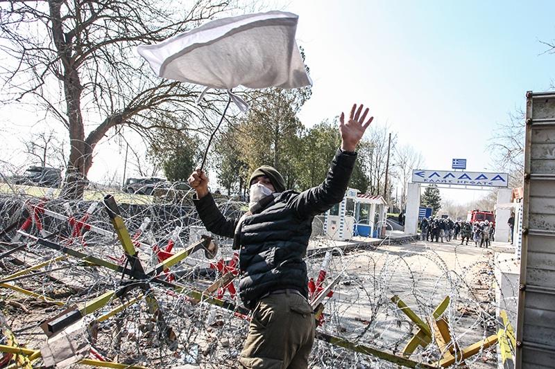 Сирийские беженцы на границе Турции и Греции