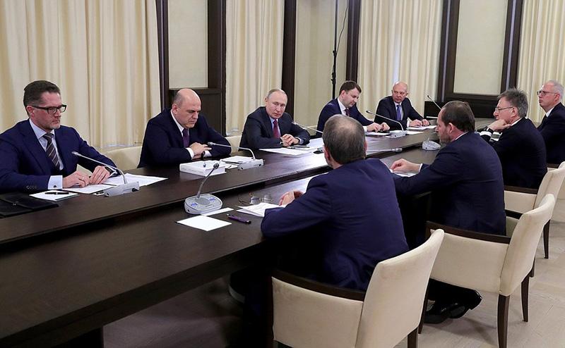 Владимир Путин проводит встречу с инвесторами