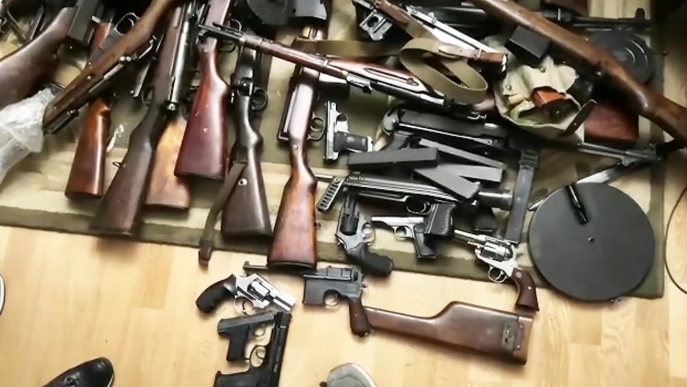 Огнестрельное оружие, изъятое сотрудниками ФСБ и МВД