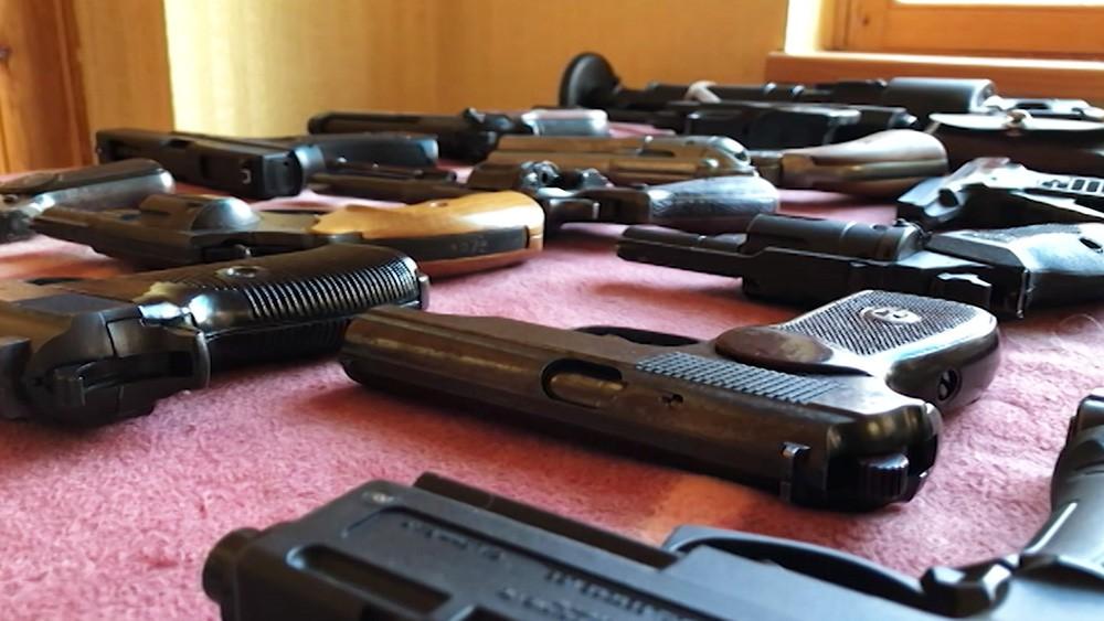 Огнестрельное оружие, изъятое сотрудниками ФСБ