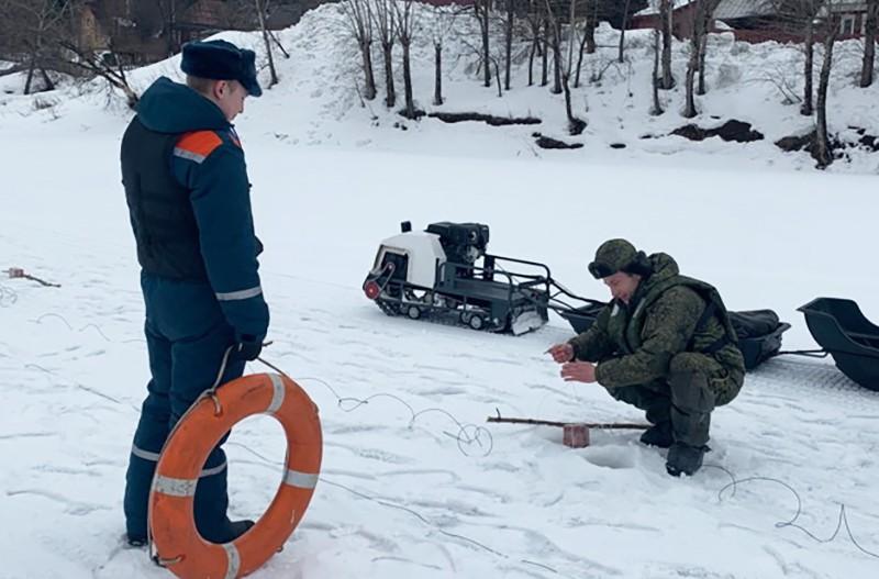 Взрыв льда на Урале
