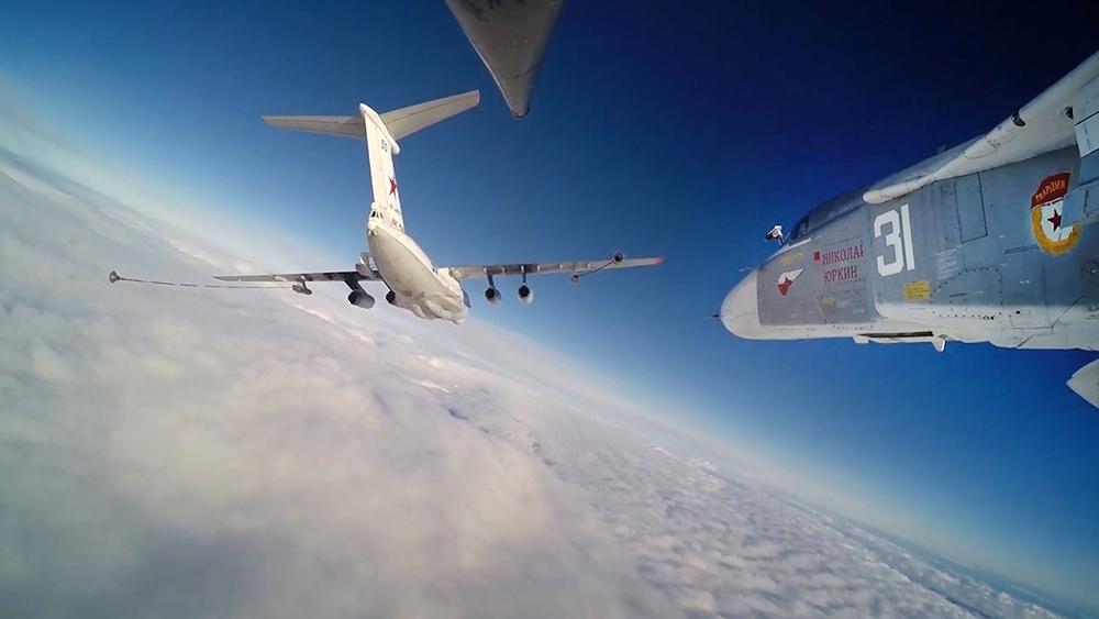 Дозаправка МиГ-31 в воздухе