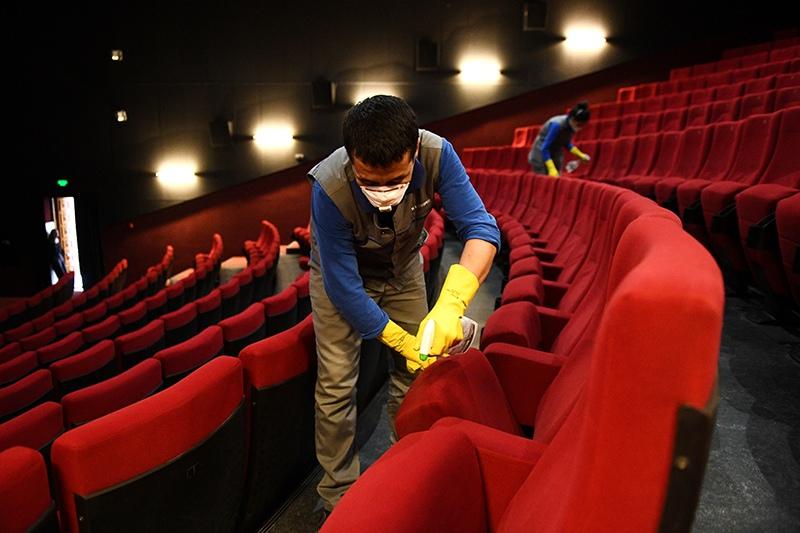 Меры профилактики коронавируса в кинотеатре