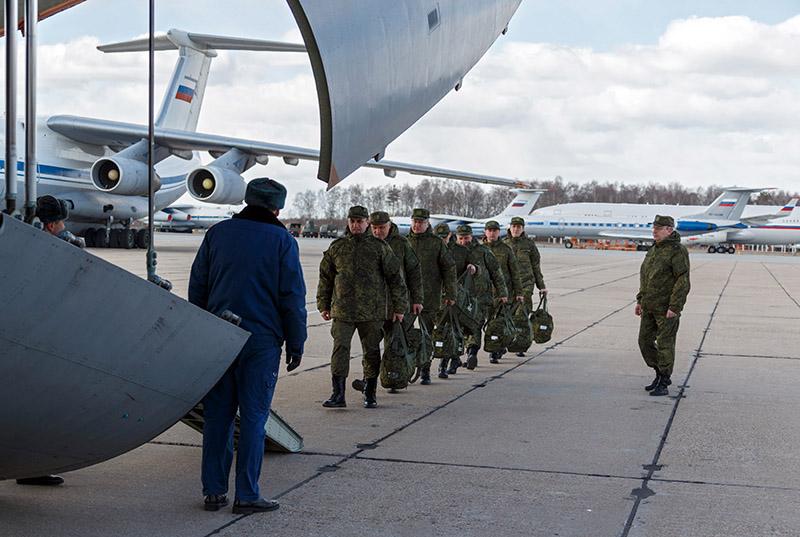 Военнослужащие медицинской службы ВС России