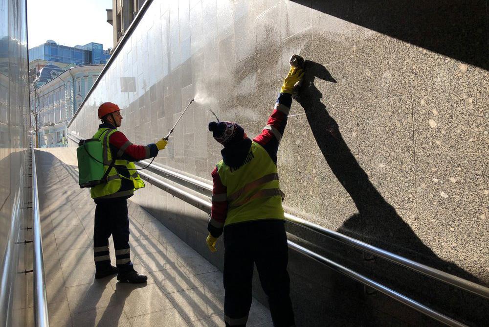 Профилактические меры по уборке подземного перехода