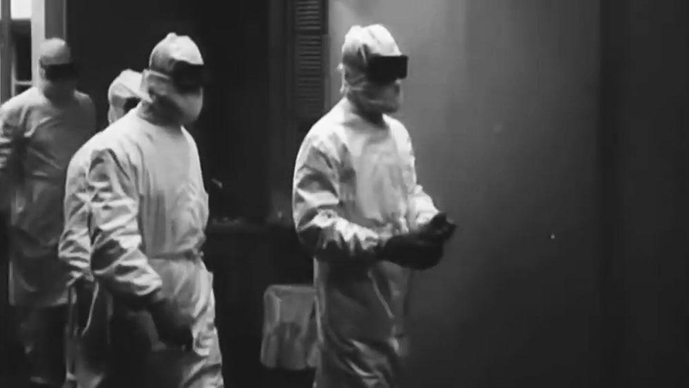 Работники лаборатории Московского оспенного центра