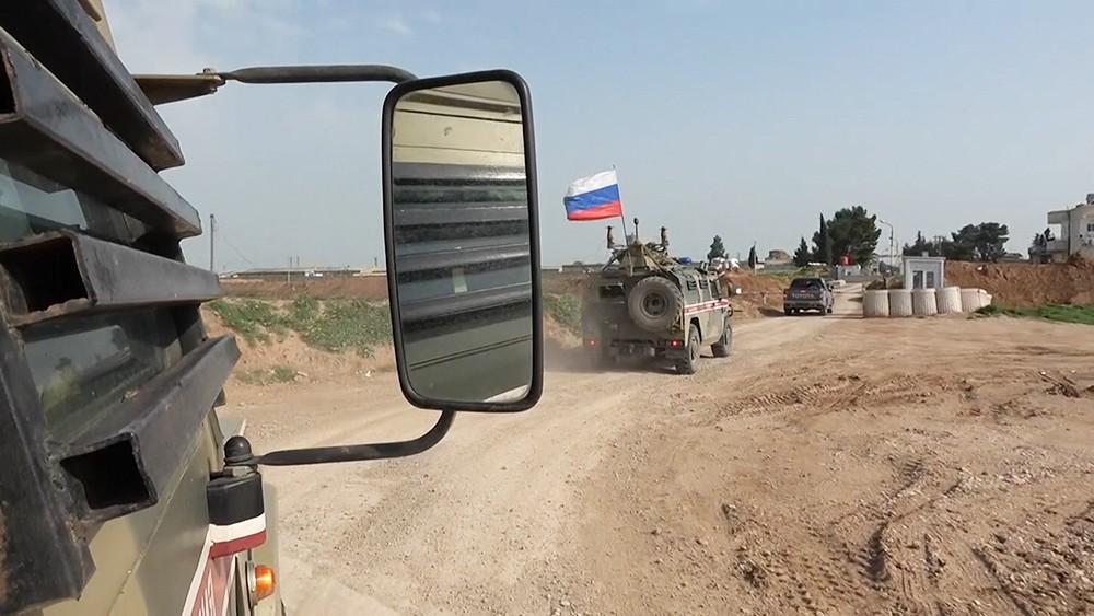 Проверка постов на трассе в Сирии