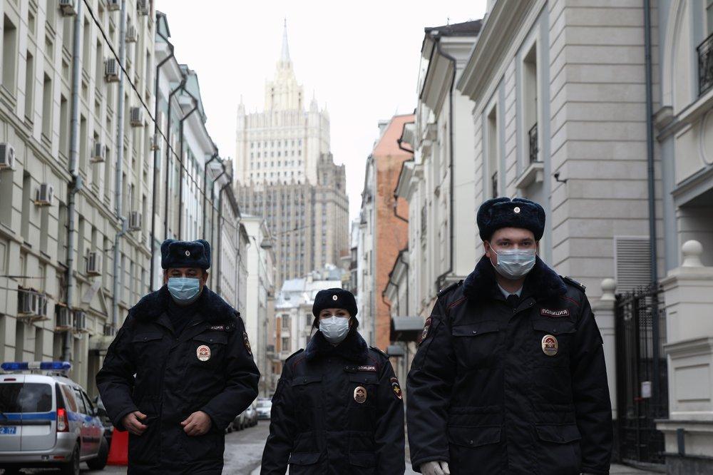 Полиция проводит рейд по соблюдению самоизоляции