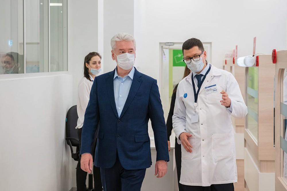 Сергей Собянин ознакомился с работой службы телемедицинской помощи