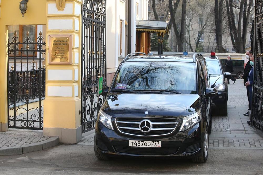 Выезд кортежа патриарха Московского и всея Руси Кирилла
