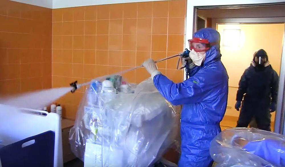 Российские специалисты проводят дезинфекцию в Италии