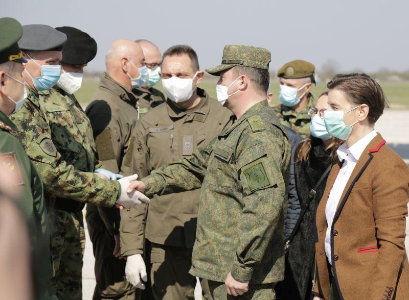 Встреча прибывших в Сербию российских военных