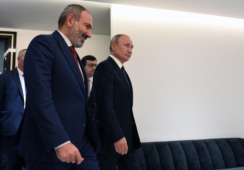 Владимир Путин и премьер-министр Армении Никол Пашинян
