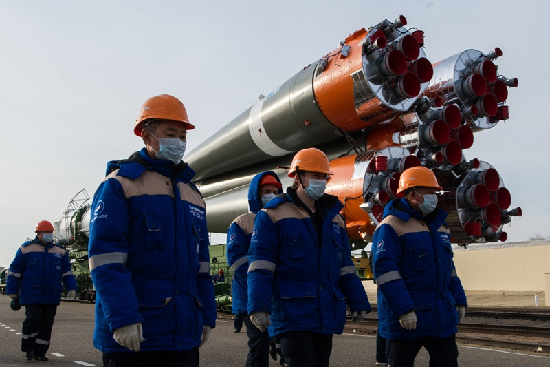"""Вывоз ракеты-носителя """"Союз-2.1а"""" с пилотируемым кораблем """"Союз МС-16"""""""