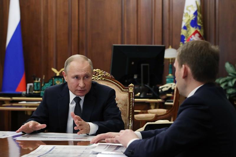 Владимир Путин и Александр Козлов во время встречи