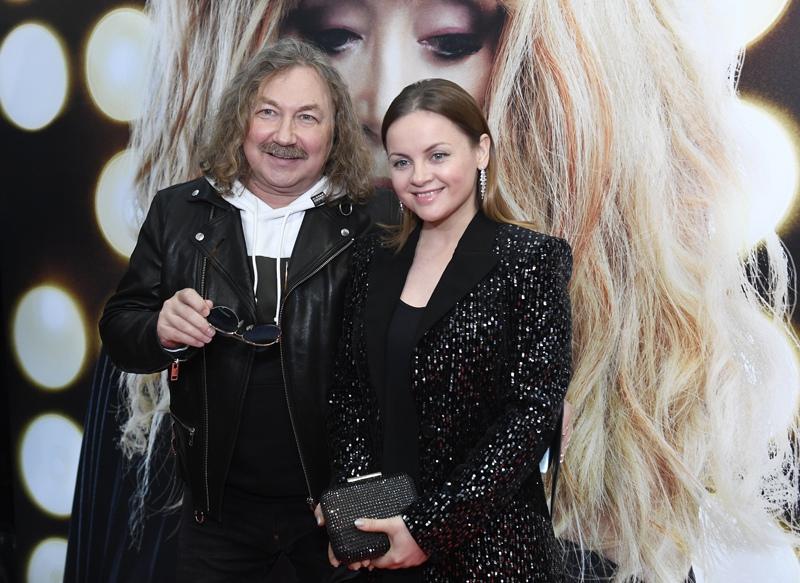 Игорь Николаев с супругой певицей Юлией Проскуряковой