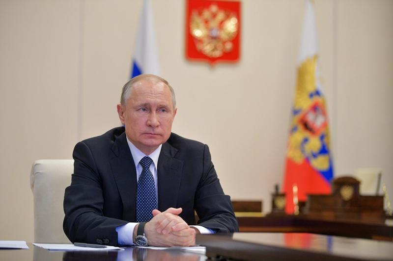 Владимир Путин провел телемост с экспертами по вопросам развития ситуации с коронавирусной инфекцией