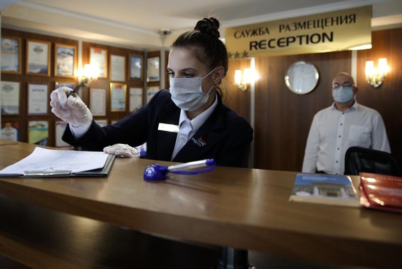 Сотрудники службы размещения гостиницы