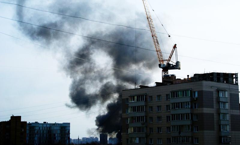 Пожар на заводе в Москве
