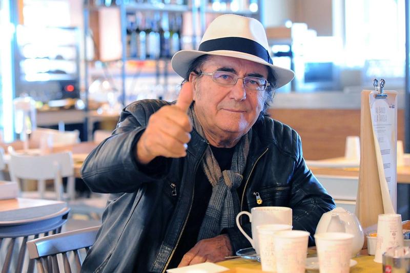 Итальянский певец Аль Бано