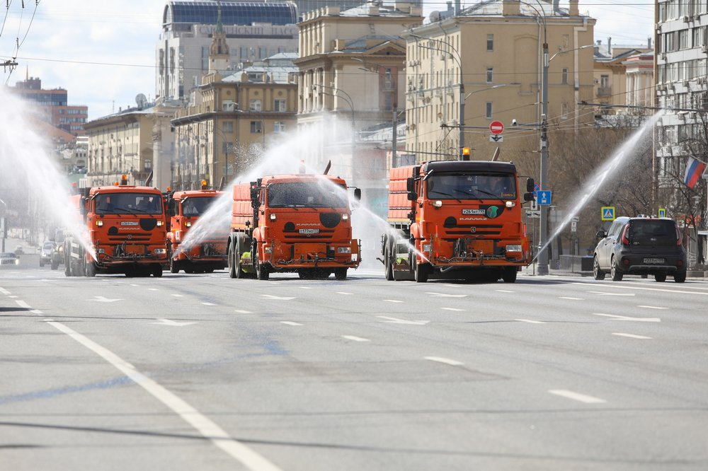 Промывка и дезинфекция улиц и бульваров Москвы во время пандемии коронавируса